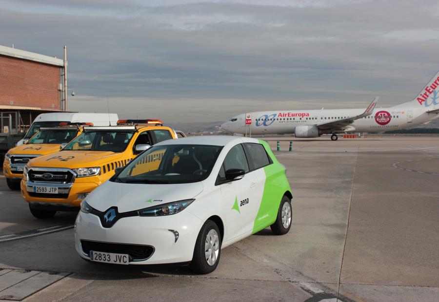 Los vehículos eléctricos como el Renault Zoe se utilizan como coche de mantenimiento y operaciones.