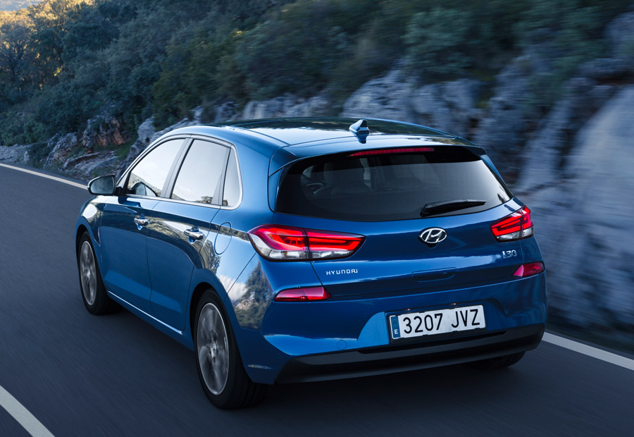LA suspensión trasera del nuevo Hyundai i30 es independiente multibrazo y su diseño tiene poco que envidiar a la del actual Ford Focus.