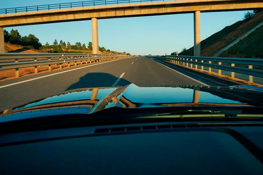 El anochecer y el amanecer son los momentos de más peligro para conducir.