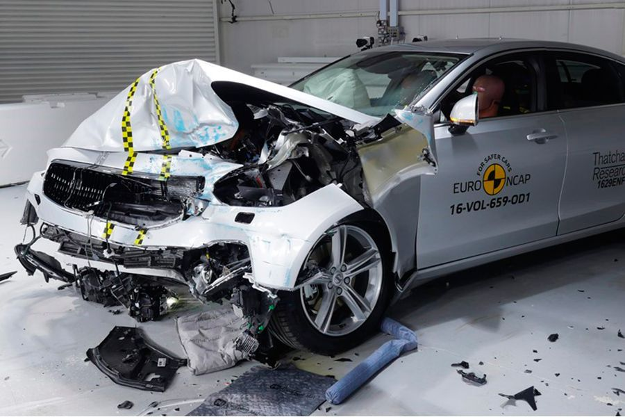 Así se vive un crash test dentro del coche ¡Vídeo!