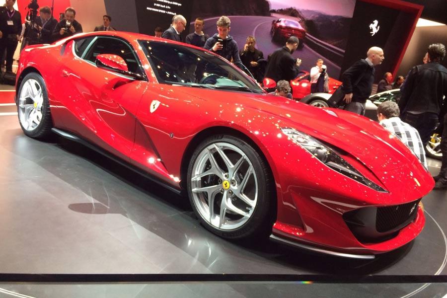 Con el Ferrari 812 Superfast, la marca de Maranello celebra su 70ª aniversario.