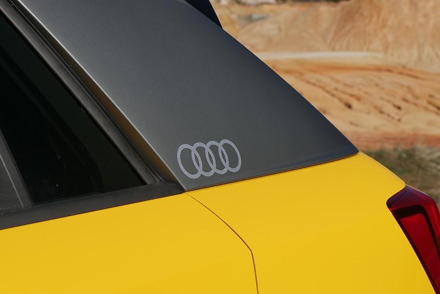 El pilar C tan grueso es un recurso que pretende evocar al mítico Audi Quattro.