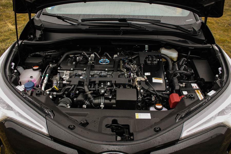 La potencia total del sistema híbrido del Toyota C-HR alcanza los 122 CV.