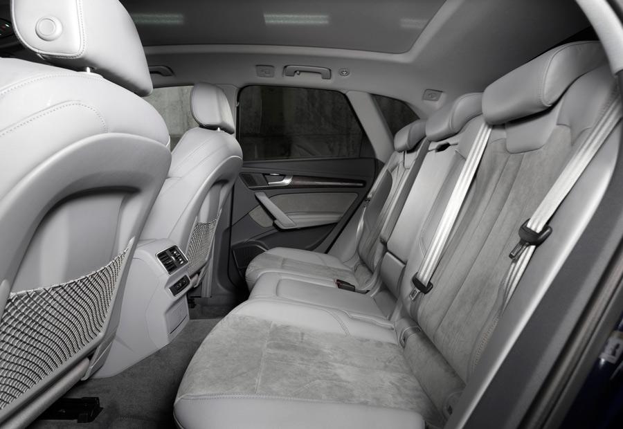 Una de las novedades del interior del Audi Q5 es que, en opción, la banqueta trasera puede desplazarse longitudinalmente.