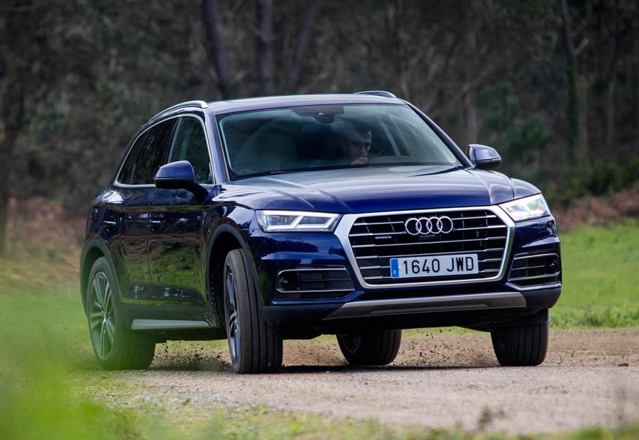Aunque la tracción quatto aporta mayor control sobre el coche, siempre podemos intentar algún derrapaje controlado con el nuevo Audi Q5.