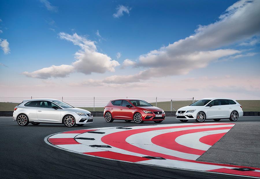Las tres carrocerías disponibles en la gama León, lo están también, para el nuevo Seat León Cupra.