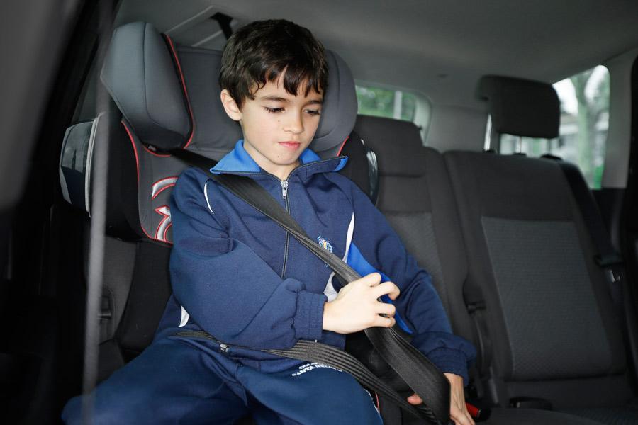 Campaña de vigilancia del uso del cinturón de seguridad y sistemas de retención infantil.