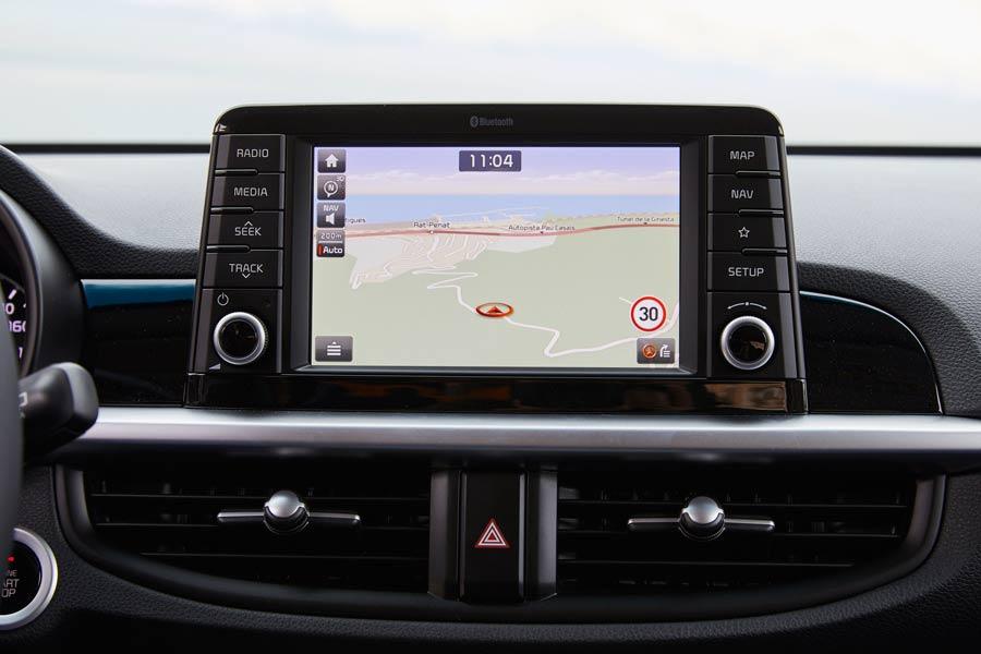 La pantalla táctil de siete pulgadas con navegador forma parte del equipamiento opcional.