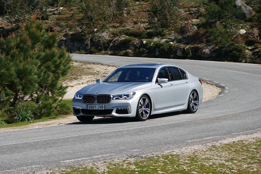 BMW 750d xDrive y la llave para dominar el mundo