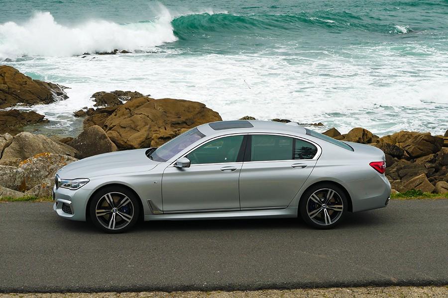 El equipamiento de la Serie 7 de BMW puede ser tan completo como nuestra economía pueda permitirse.