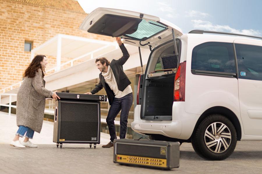 Nueva Citroën E-Berlingo Multispace acceso al maletero.