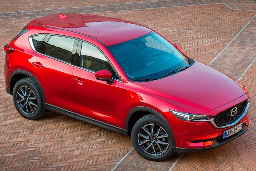 El Mazda CX-5 2017 mejora especialmente en el equipamiento de sistemas de asistencia a la conducción.
