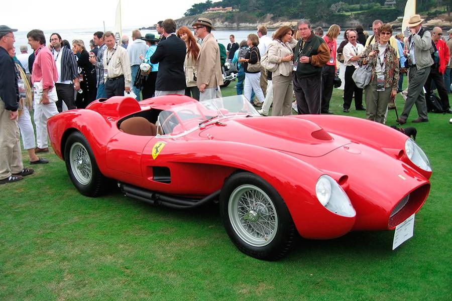 El Ferrari 250 Testa Rossa de 1957 es uno de los automóviles más bellos jamás fabricado.