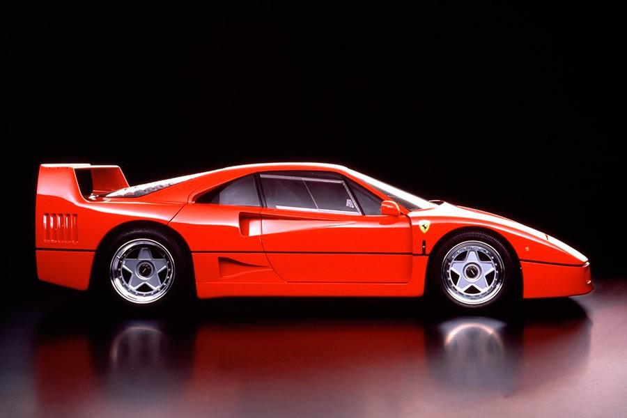 El Ferrari F40 se puede considerar como el primer modelo aniversario de la marca.