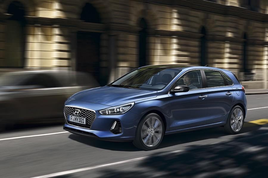 El Hyundai i30 cuenta con una gama de motores eficientes y soluciones prácticas.