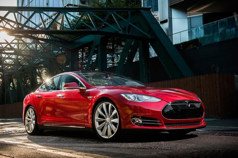El Model S tiene una silueta muy deportiva.