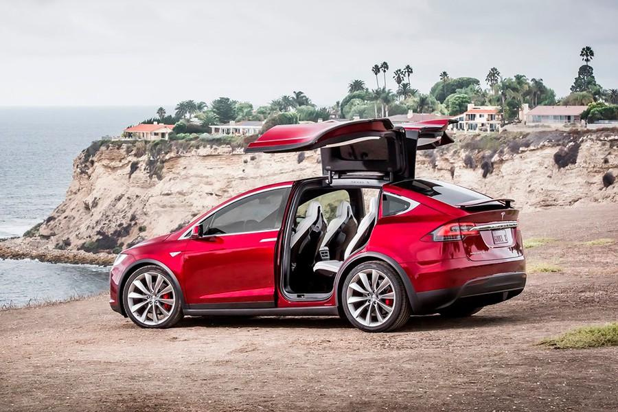 El Tesla Model X es el primer SUV de la marca.