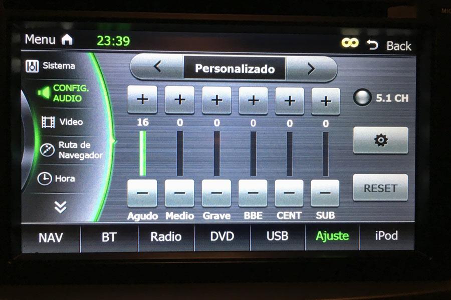 Cómo ajustar el equipo de música de nuestro coche