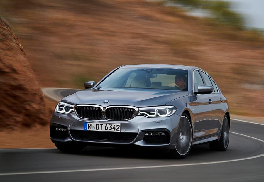 Según el modo de conducción seleccionado, notaremos, por ejemplo, cambios en la asistencia de la dirección del nuevo BMW Serie 5.