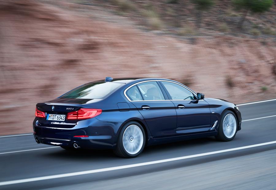 En opción, el nuevo BMW Serie 5 puede montar ruedas traseras directrices.