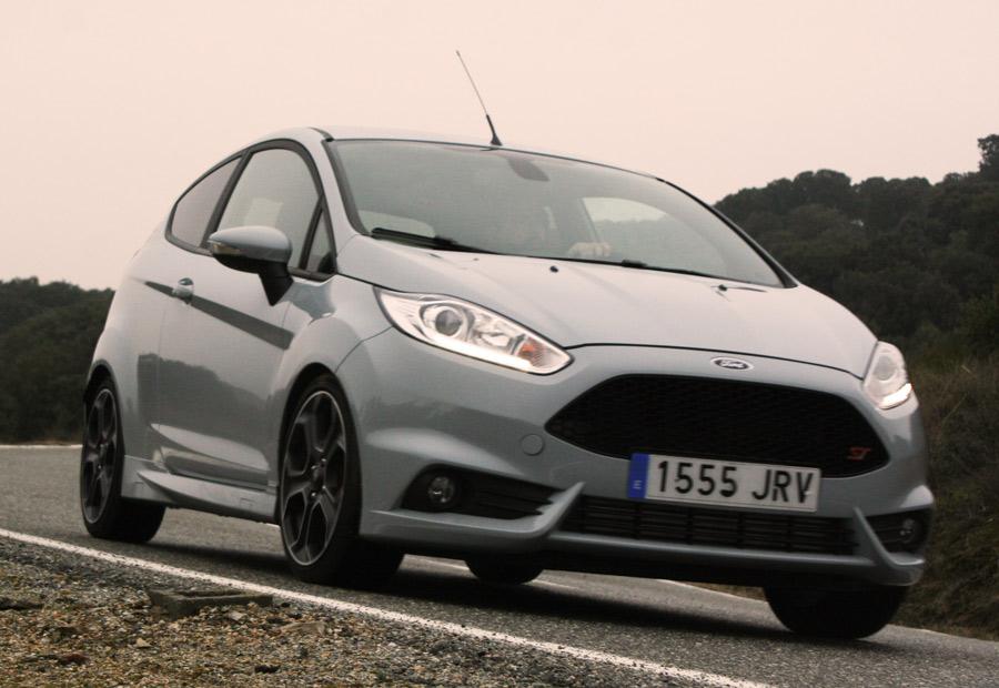 Rara será al curva que no hagamos una gran precisión en el Fiesta ST.