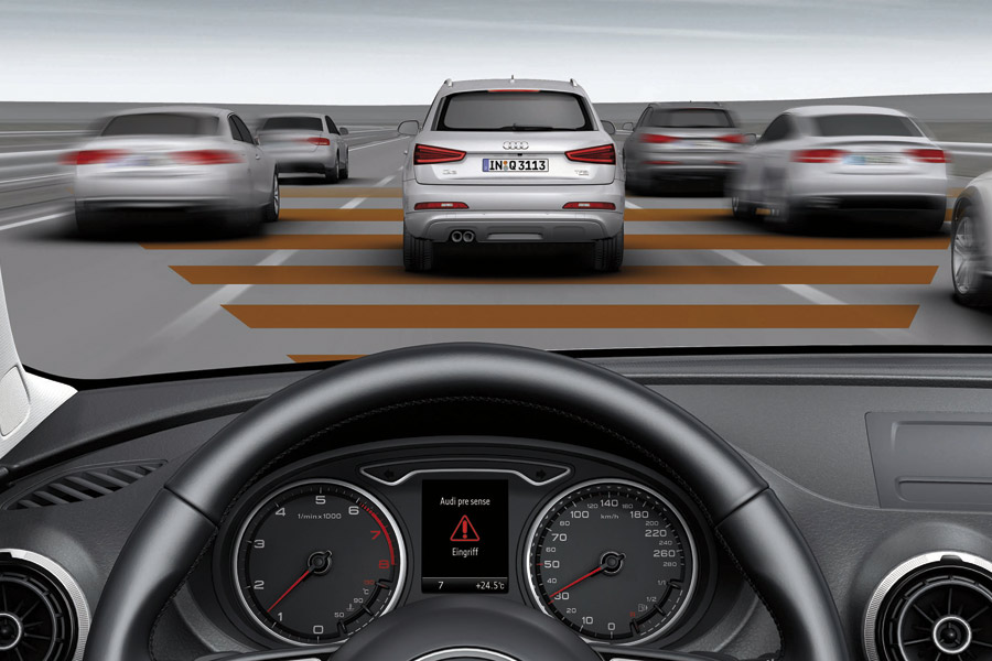 Asistencia en frenada de emergencia de Audi.