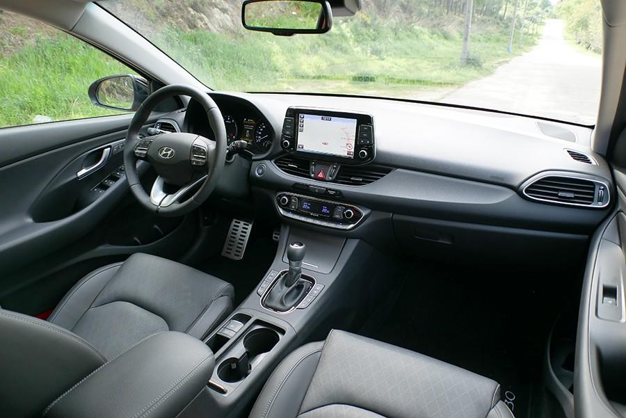 El interior del i30 es amplio y con una buena calidad aparente.