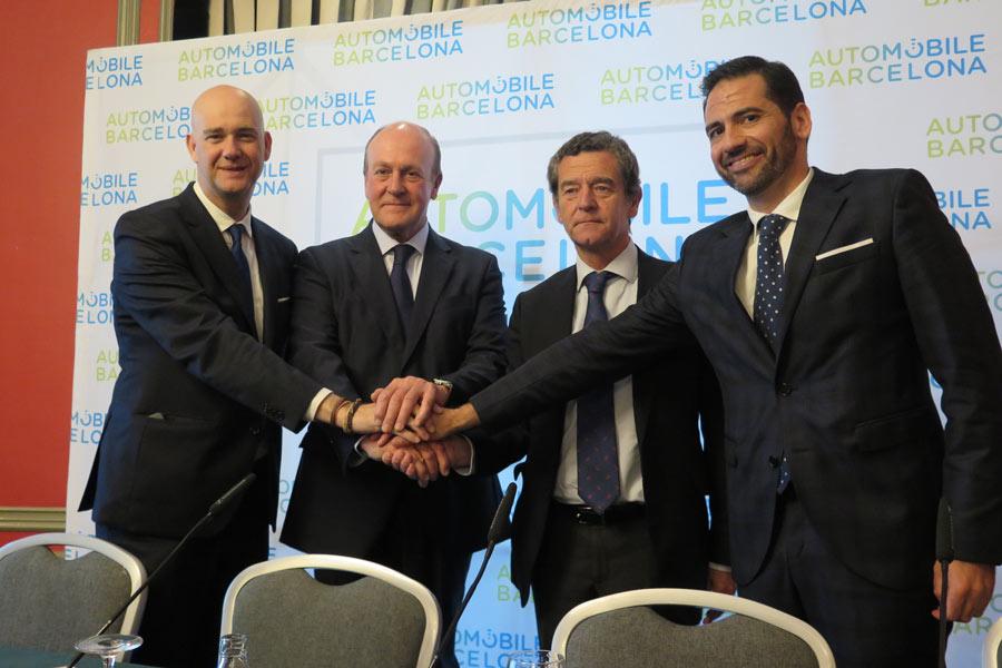 Zapatero (Fira Barcelona), Enrique Lacalle (presidente de Automobile Barcelona), Mario Armero (vicepresidente ejecutivo de Anfac) y José M. García (director de Automobile Barcelona).