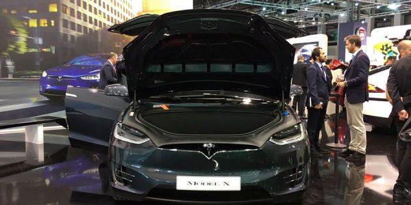 Tesla debuta en España abriendo su primera tienda