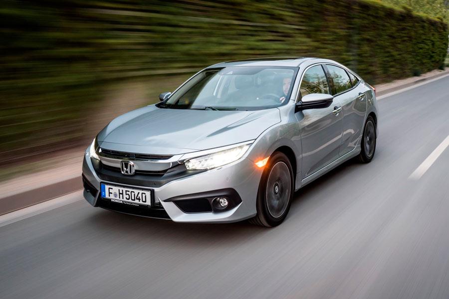 Honda Civic Sedan,  la marca japonesa amplía su gama compacta
