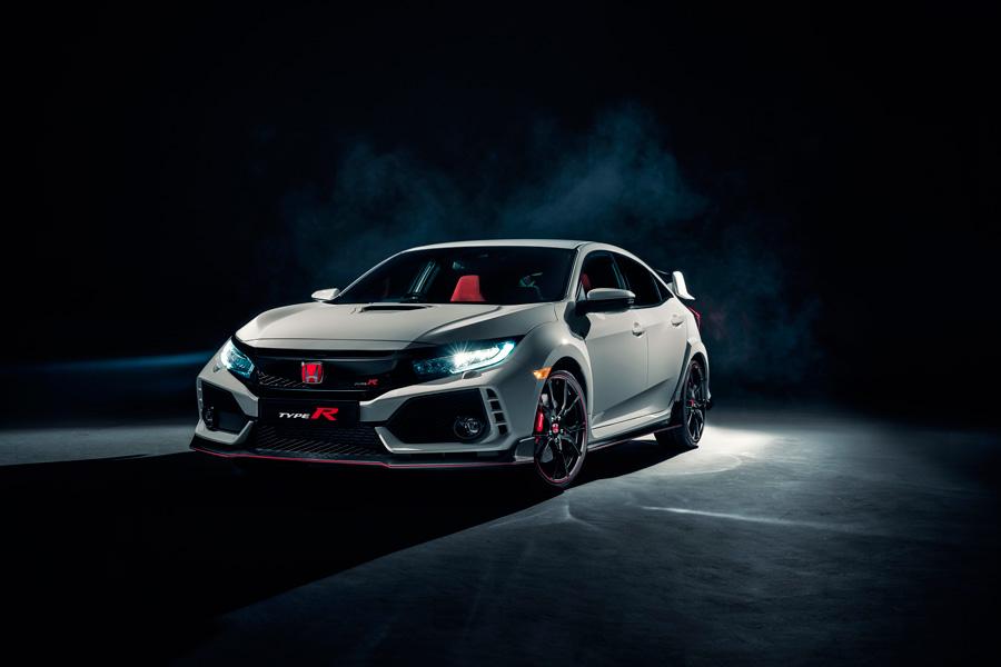 El Honda Civic Type R hace su segunda aparición internacional, tras su debut en el Salón de Ginbra.