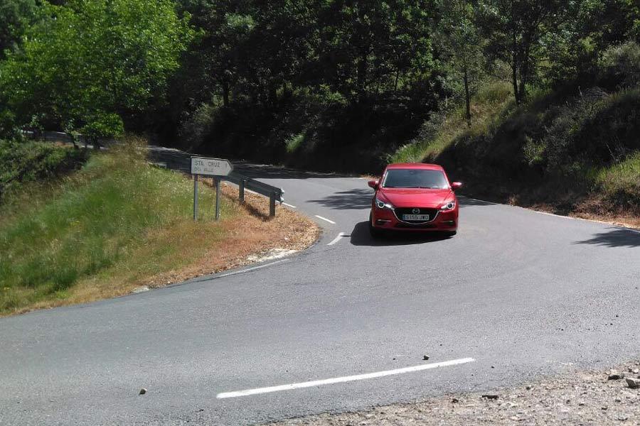 Imágenes dinámicas de la prueba del Mazda 3.