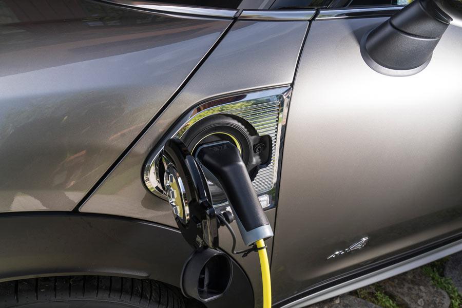 El Mini Countryman S E homologa una autonomía eléctrica de 42 kilómetros.