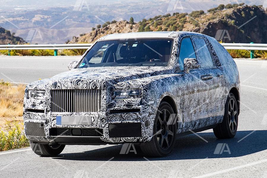 Nuevas fotos espía del Rolls Royce Cullinan, el SUV de Rolls Royce