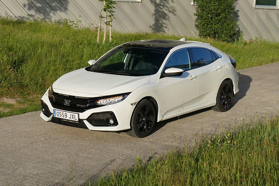 El Honda Civic puede presumir de no copiar a sus rivales estéticamente.