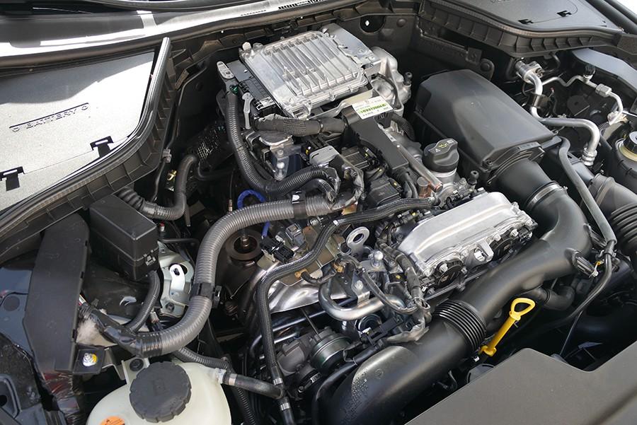 El motor 2.0t tiene un buen rendimiento y su construcción es robusta.