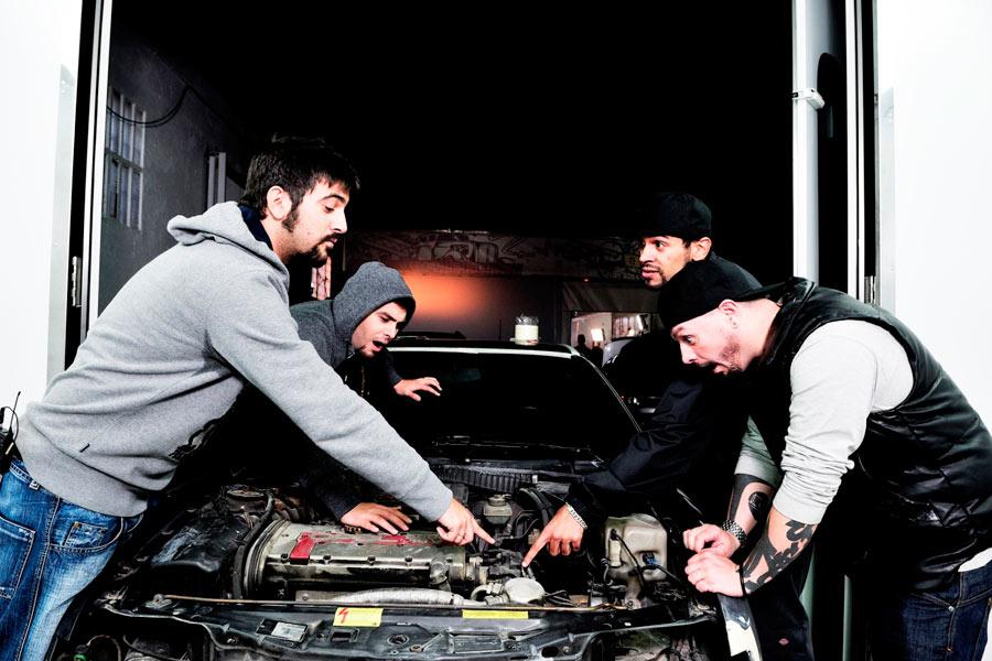 Estopa participó con un Seat 124 en un capítulo de MTV Tuning España.