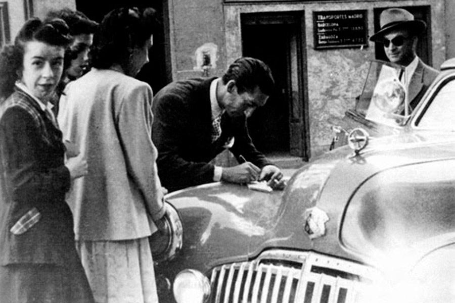 El famoso matador cordobés Manolete poseía un Buick Super 4 Door Sedan que fue casi tan conocido como el propio torero.