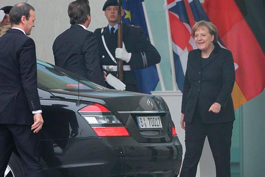 Angela Merkel compagina los Mercedes y los Audi en sus apariciones públicas.