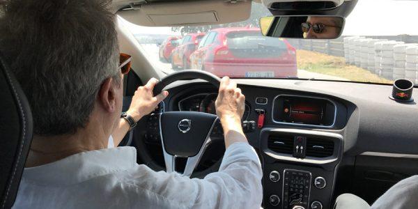 ¿Sabes coger -y manejar- correctamente el volante?