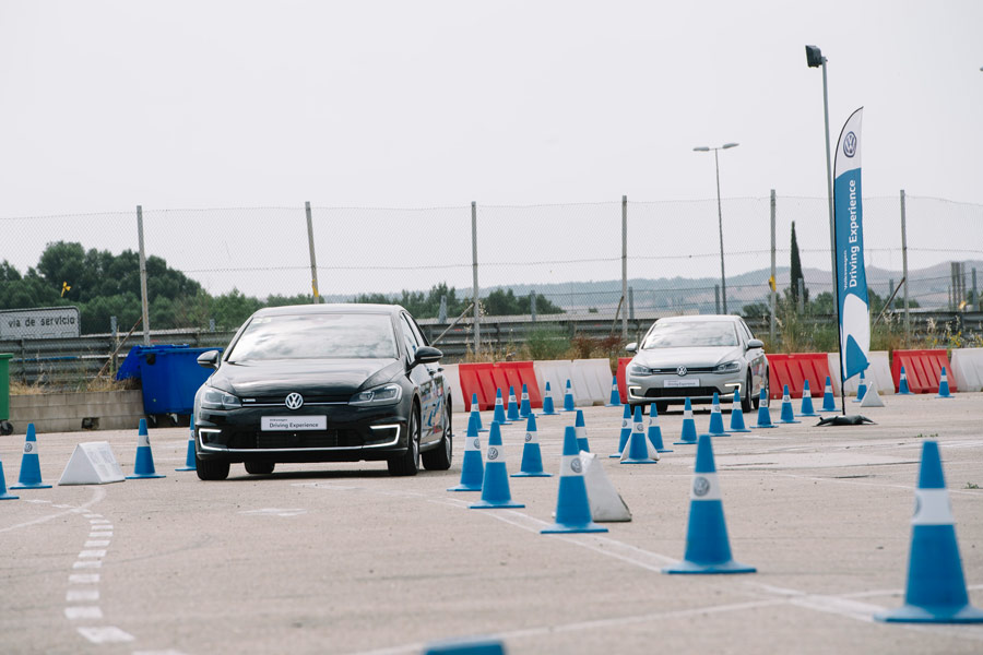 Volkswagen nos enseña a conducir en el Jarama