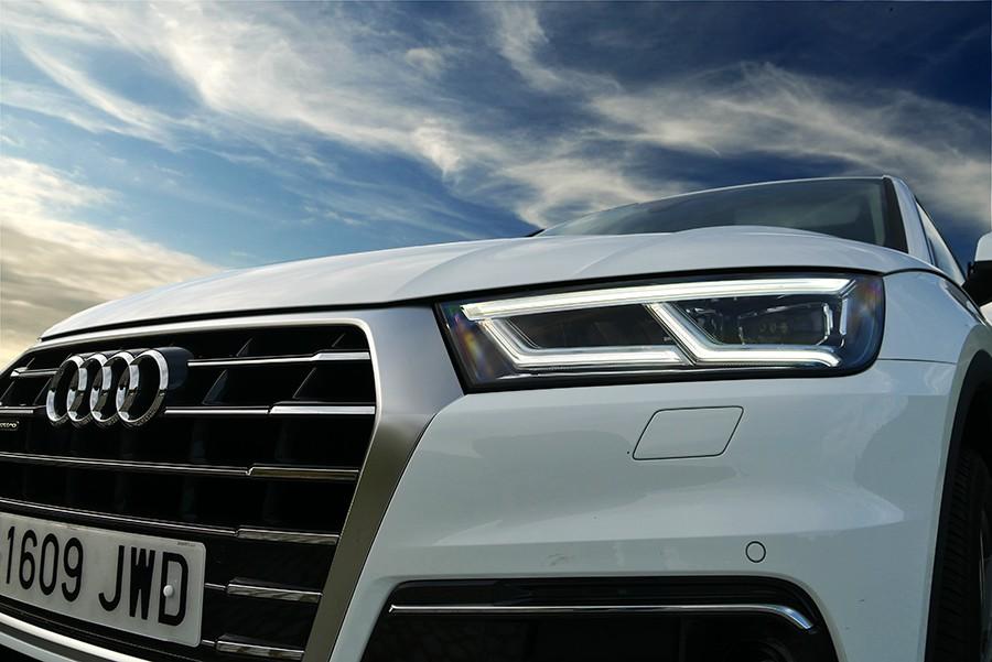 El Audi Q5 emplea la misma plataforma que el Q7 y se beneficia de su tecnología.
