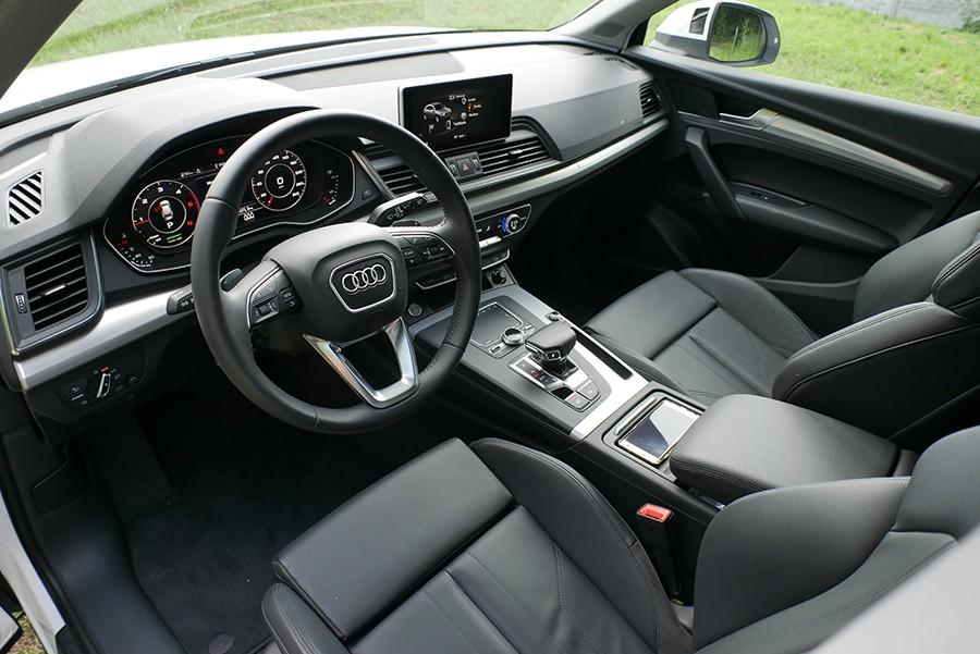 El interior del Audi Q5 es austero pero de buena calidad.