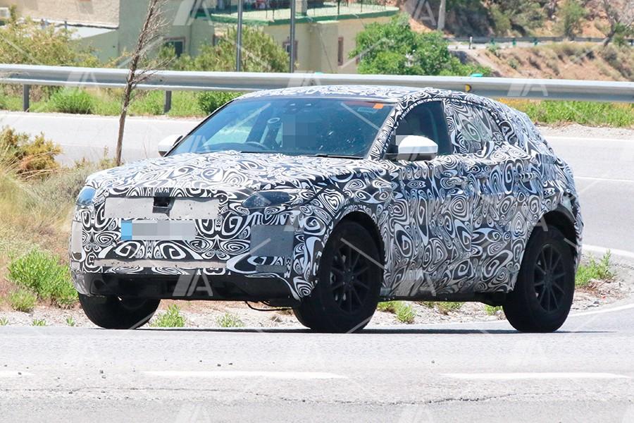 Fotos espía del nuevo Jaguar E-Pace 2018