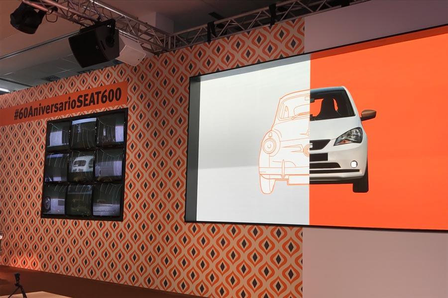 Las dos pantallas son un ejemplo del cambio tecnológico entre la época del 600 y la del Mii; por tanto, también, de todo su equipamiento.