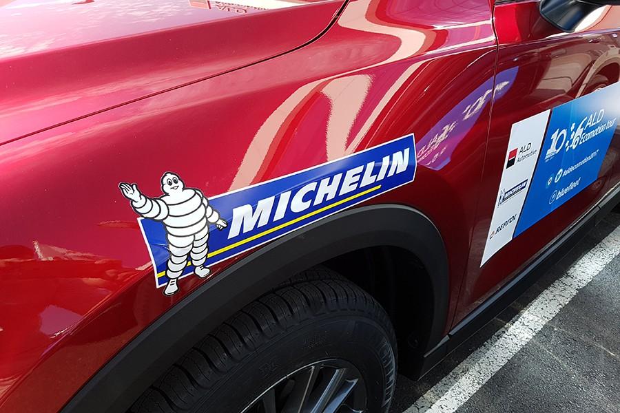 Todos los coches montaban ruedas Michelin.
