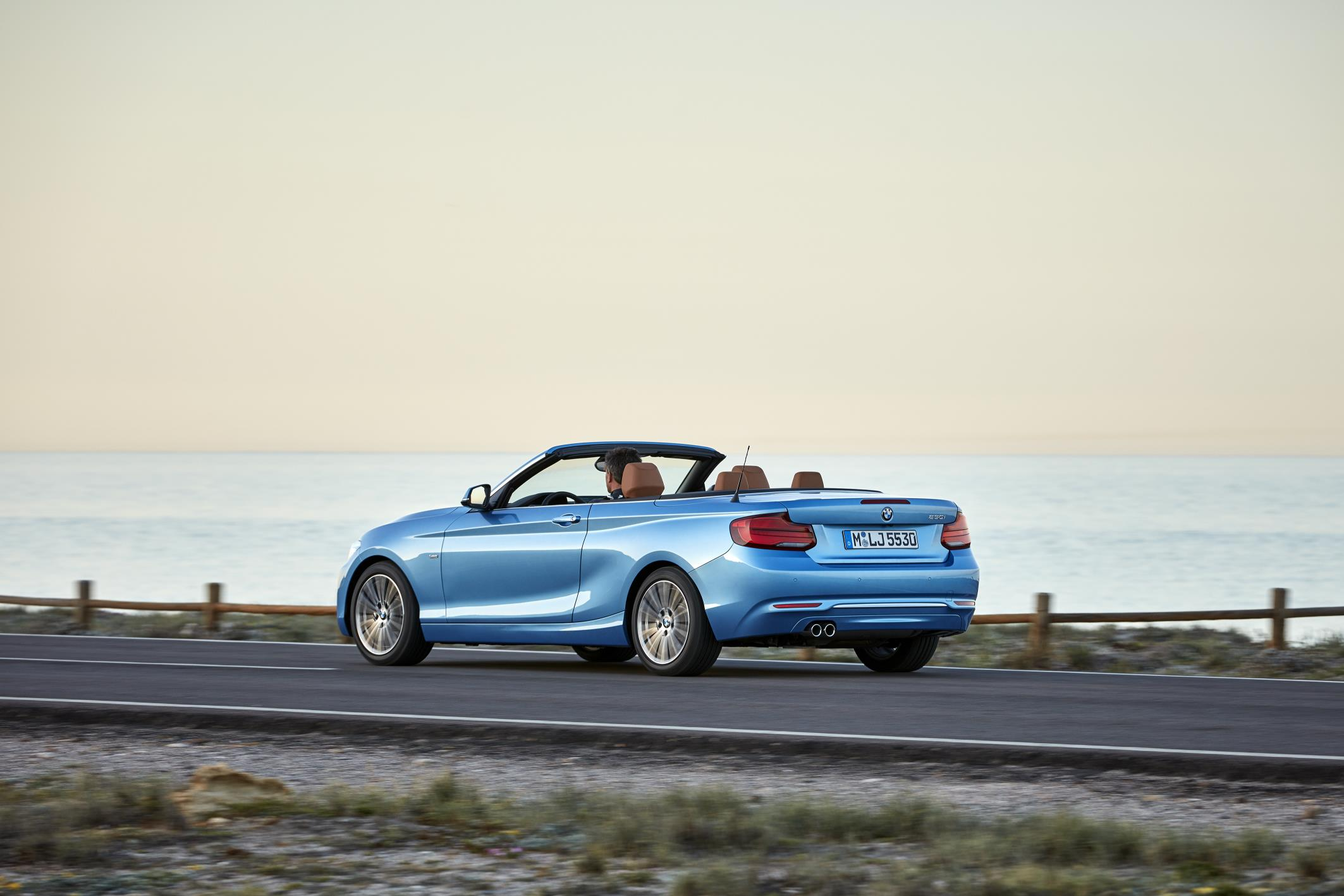 BMW Serie 2 Cabrio recibe mejoras que acentuan su dinámismo.