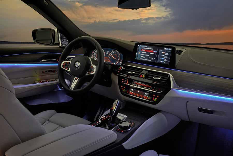 Habitáculo amplío y ergonómico para el BMW Serie 6 Gran Turismo.