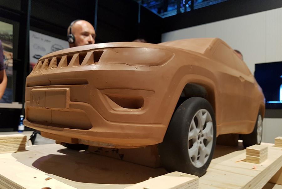 En el diseño del Jeep Compass se ven detalles de otros modelos que lo identifican claramente como un Jeep.