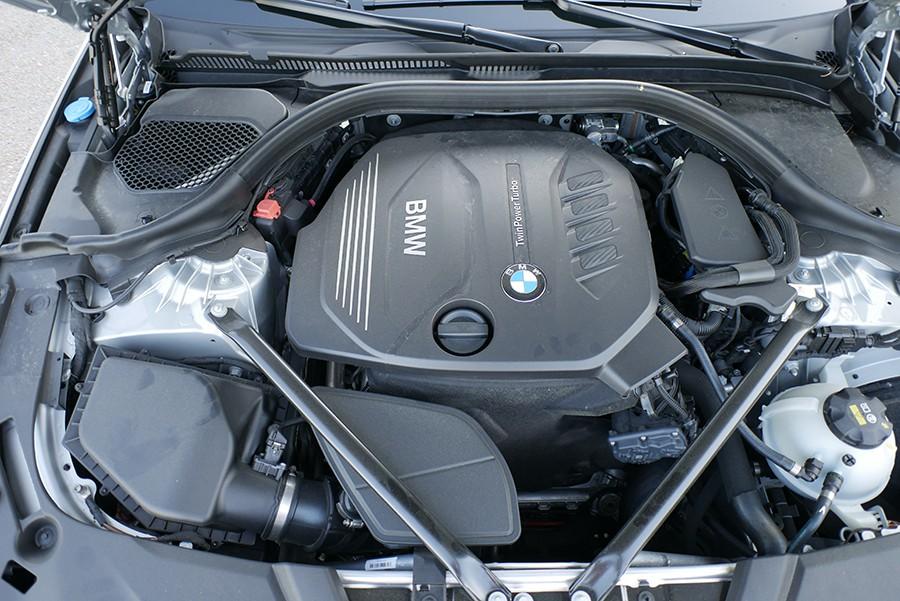 El motor destaca por su eficiencia y suavidad de marcha.